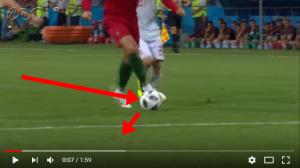 5またぐ前の1タッチで内側にボールの方向をかえている